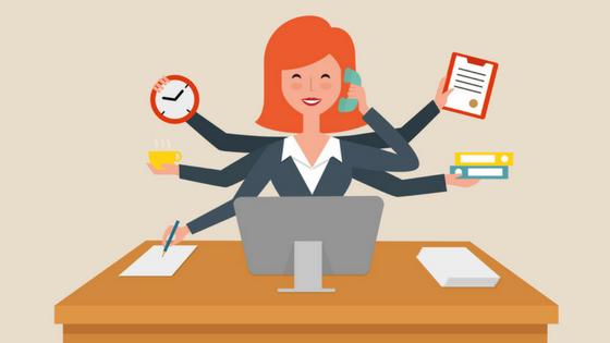 Moça com muitas mãos e segurando diversos objetivos, representando as 10 ferramentas de produtividade