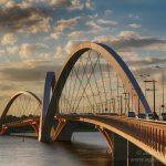 Foto da ponte Juscelino Kubitschek, representando abrir empresa em Brasília