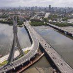 Foto da ponte estaiada da cidade, representando abrir empresa em Recife