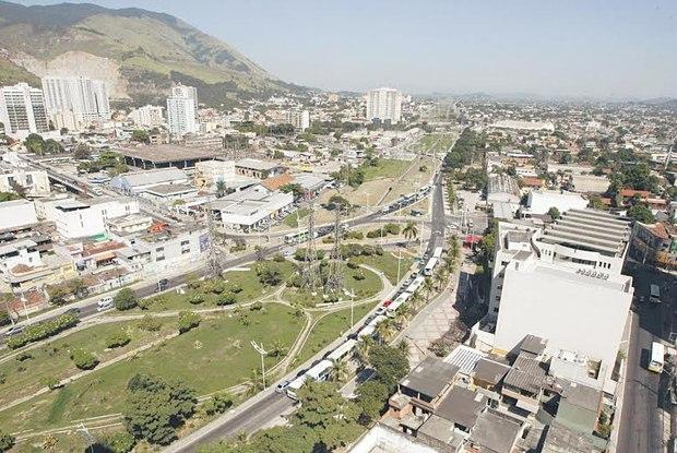 Foto aérea do centro da cidade, representando abrir empresa em Nova Iguaçu