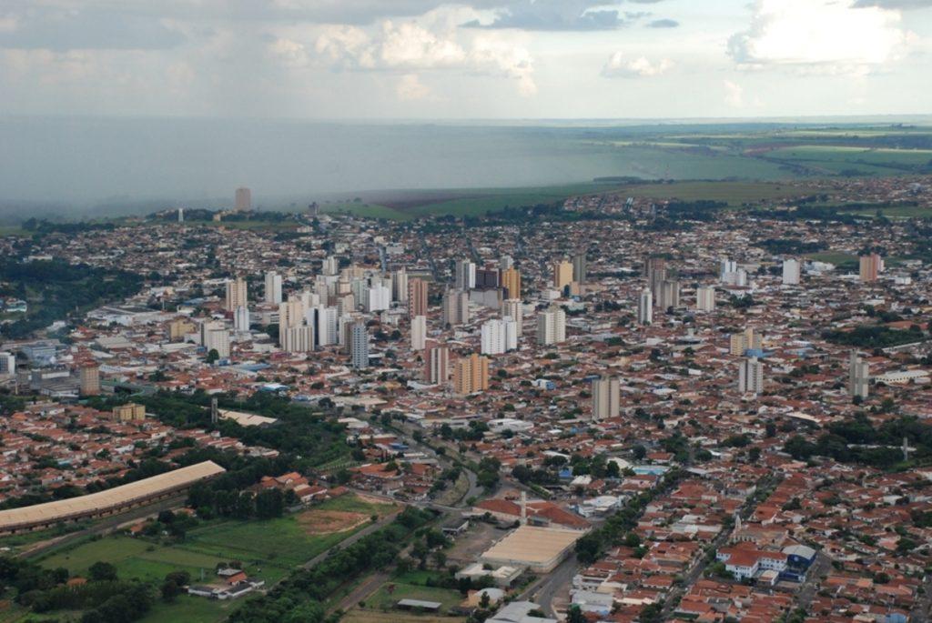 Foto aérea da cidade, representando abrir empresa em Catanduva