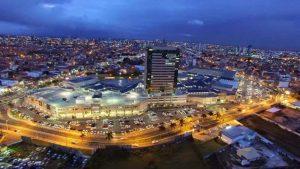 Foto do shopping da cidade, representando abrir empresa em Feira de Santana