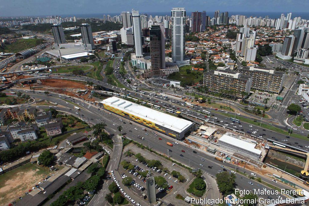 Foto da estação metropolitana, representando abrir empresa em Lauro de Freitas