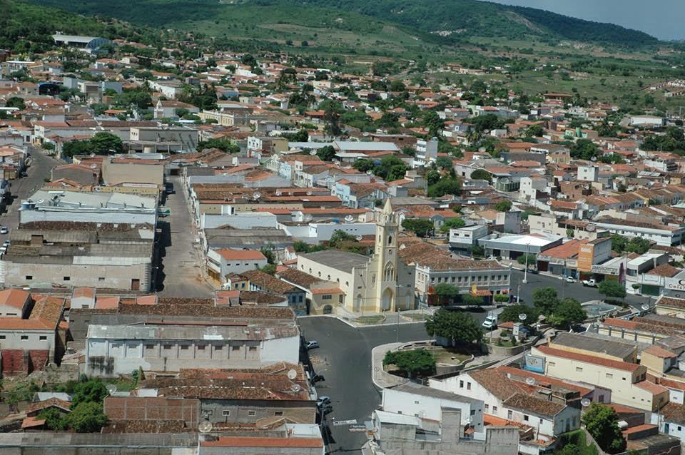Foto aérea da cidade, representando abrir empresa em Santana do Ipanema