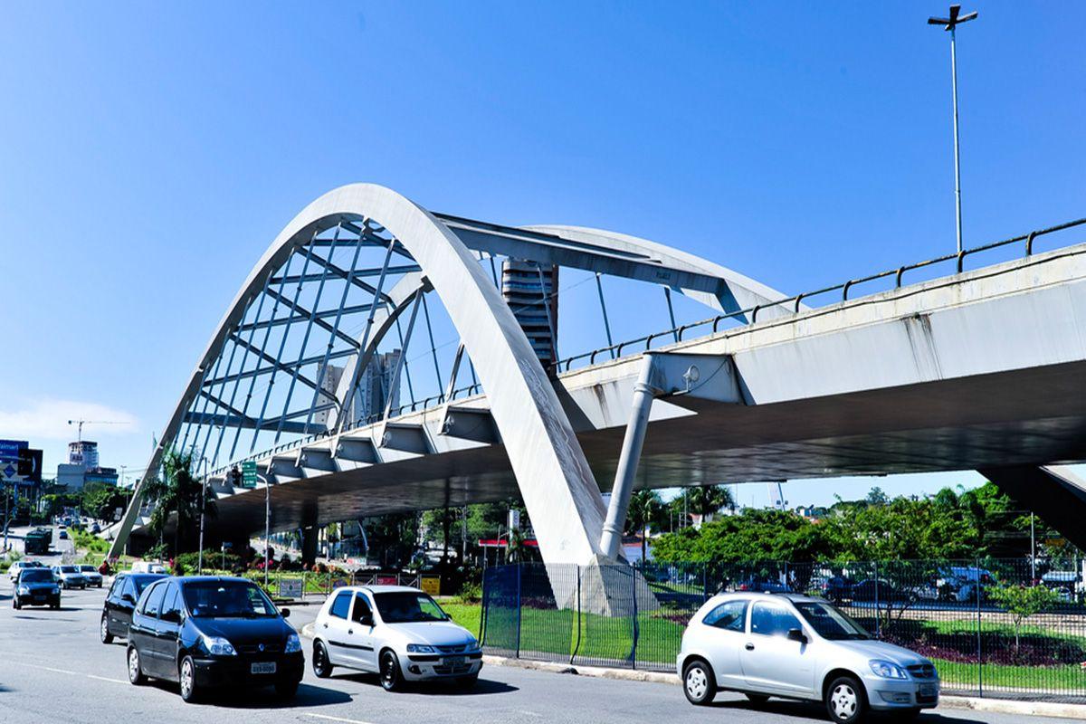 Foto da ponte metálica em Osasco, representando escritório de contabilidade em Osasco - Abertura Simples