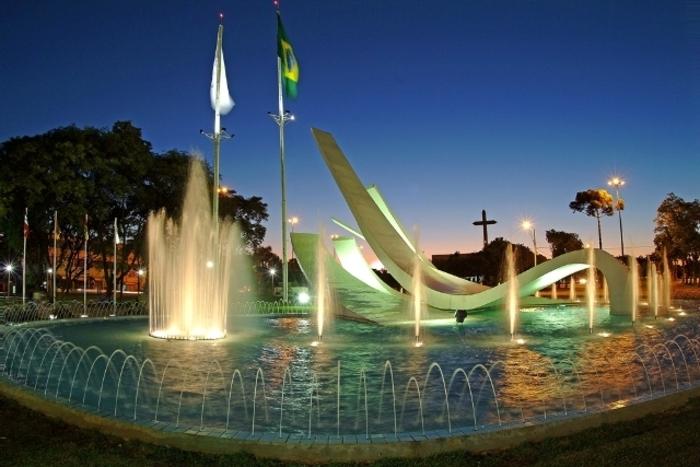 Praça do Migrante em Cascavel, representando abrir empresa em Cascavel - Abertura Simples