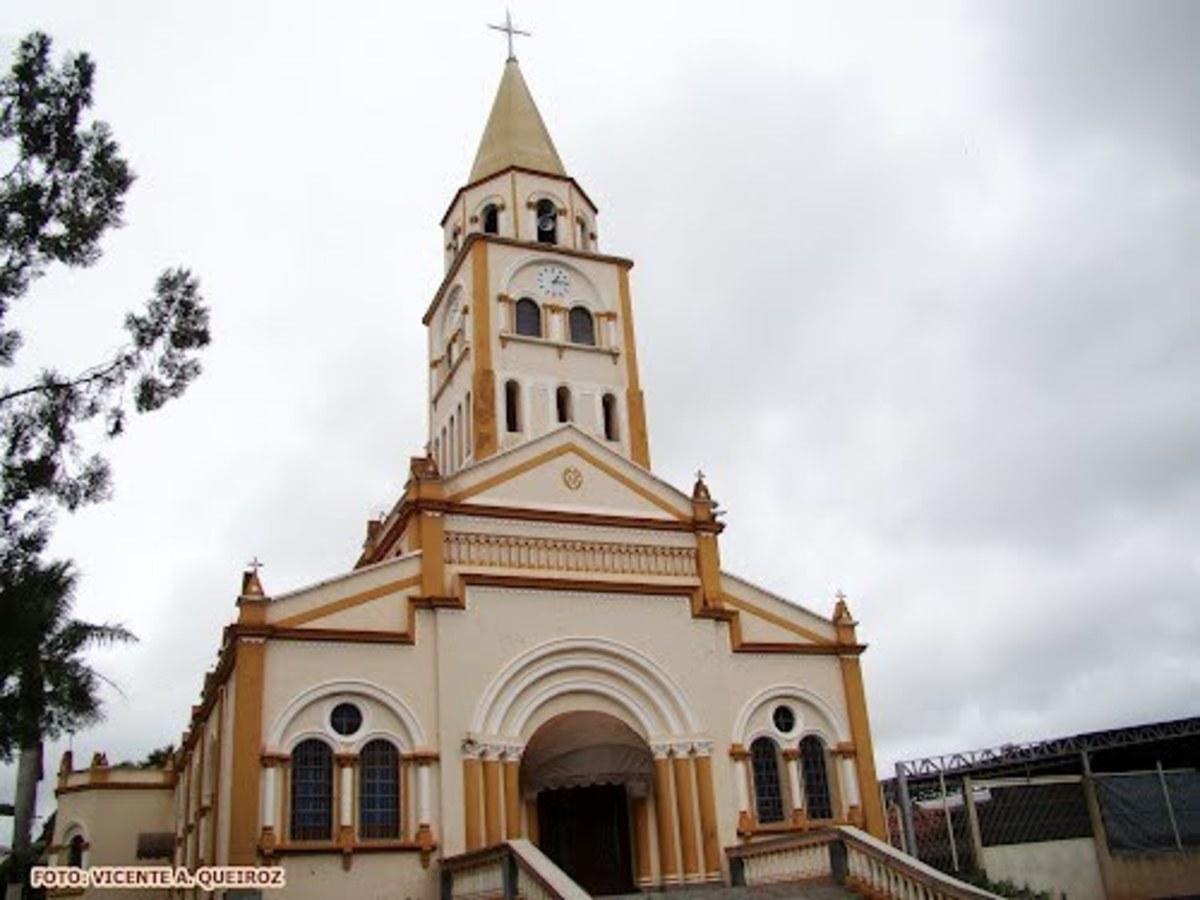 Igreja em Dobrada, representando escritório de contabilidade em Dobrada - Abertura Simples