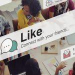 Foto de muitas pessoas conectadas, representando o uso de rede social