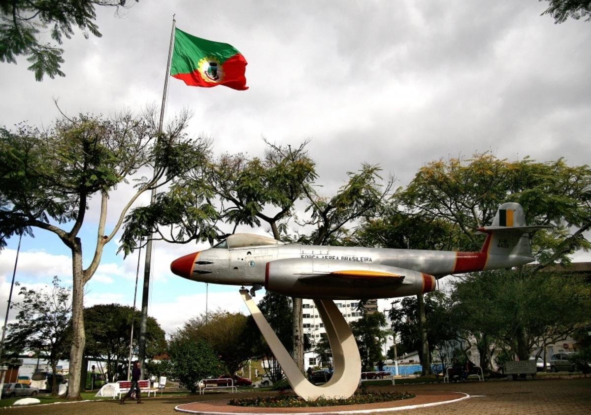 Praça do avião em Canoas, representando abrir empresa em Canoas - Abertura Simples