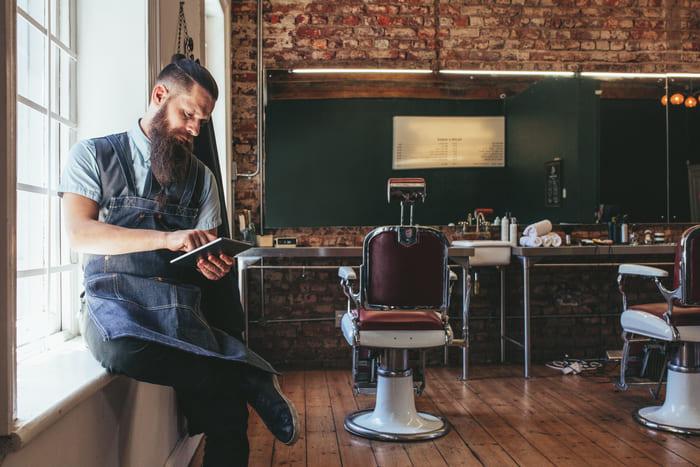 Foto em uma barbearia, representando como abrir uma barbearia - Abertura Simples