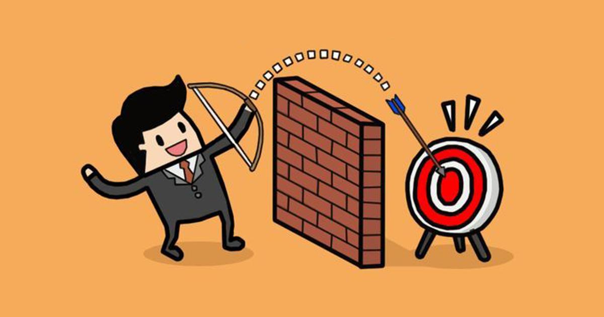 Ilustração de um empresário acertando em um alvo, representando o foco e concentração