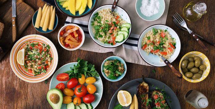 Alimentos saudáveis, representando abrir um restaurante natural - Abertura Simples