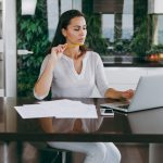 Mulher empreendedora, mulher empreendedora representando empreender em Vitória - Abertura Simples