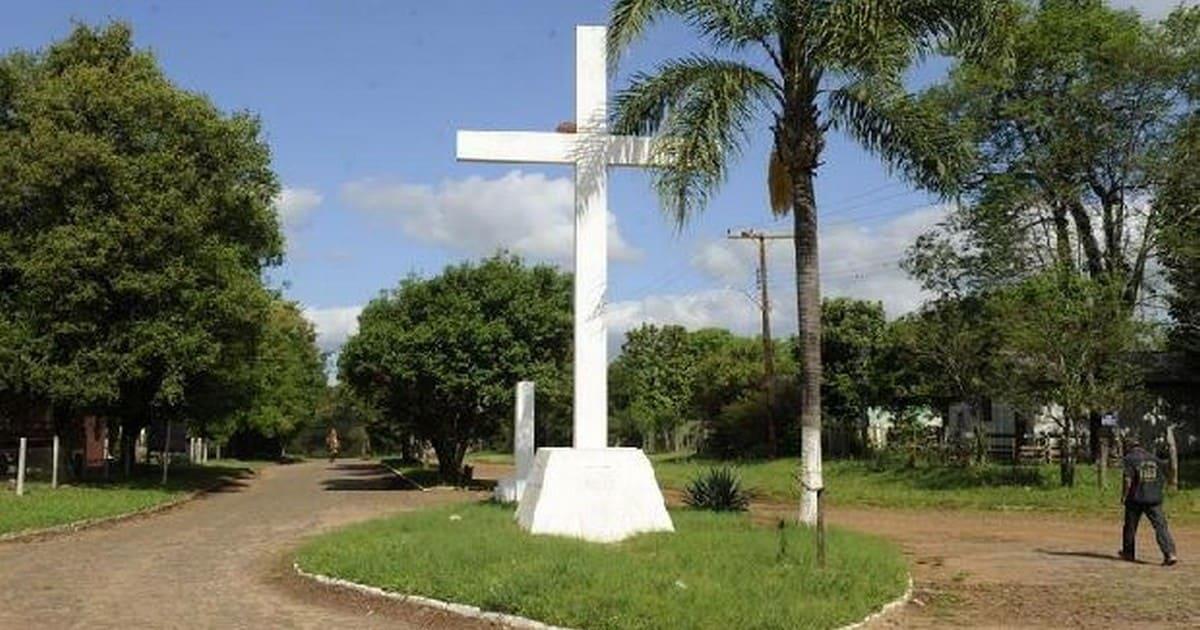 Foto da cruz da cidade, representando a contabilidade em cruz alta