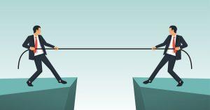 ilustração de dois homens puxando uma corda, representando qual investir