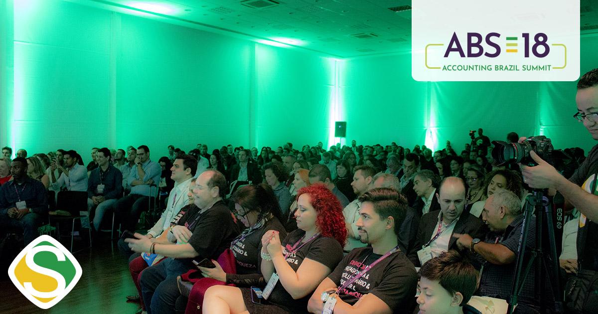 foto do auditório com todos os participantes, representando o sucesso do abs18