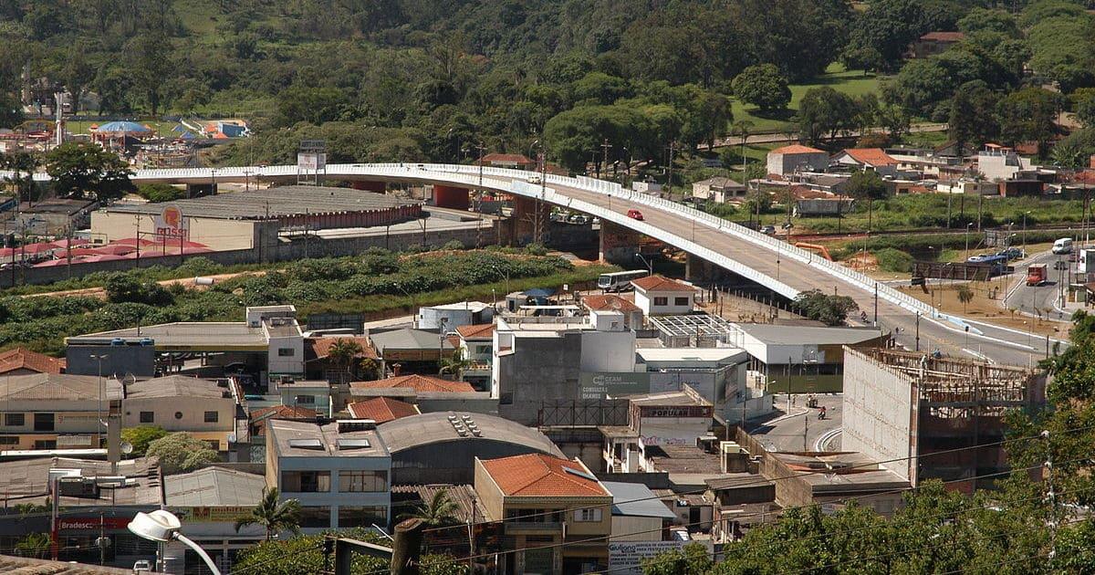 foto de ponte principal da cidade, representando como abrir empresa em Franco da Rocha