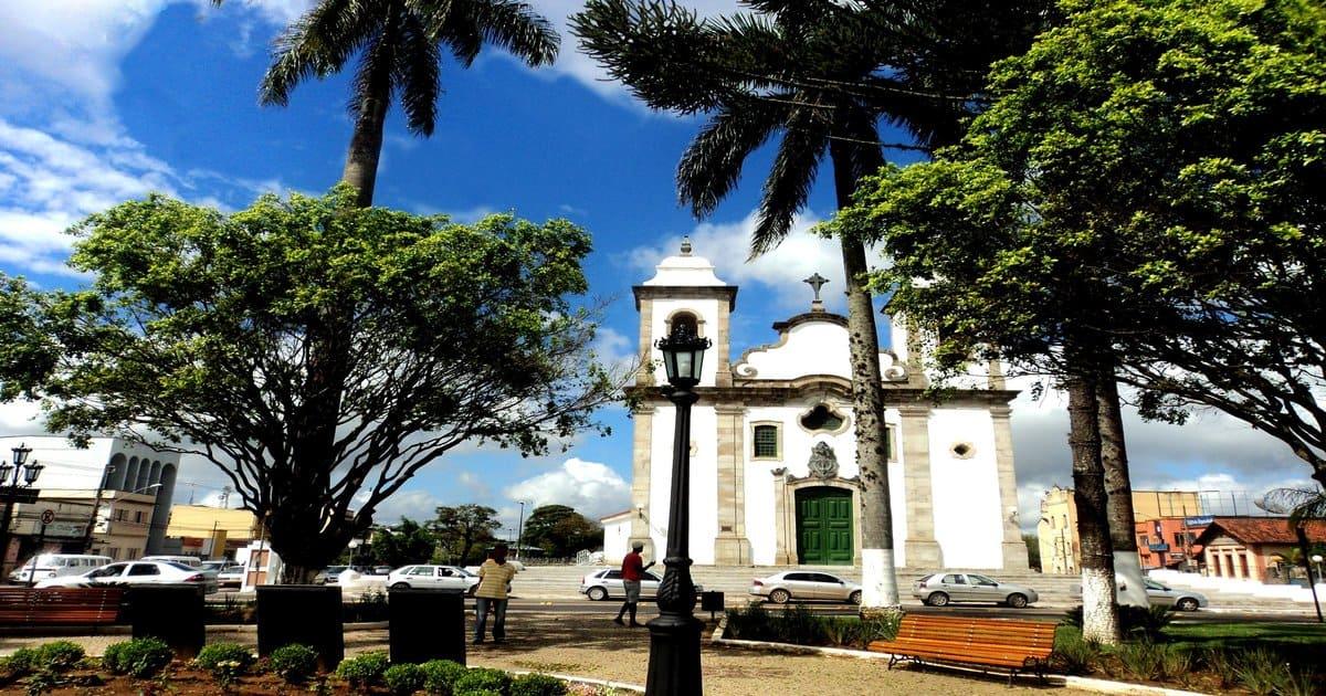 Praça central da cidade, representando como abrir empresa em Conselheiro Lafaiete