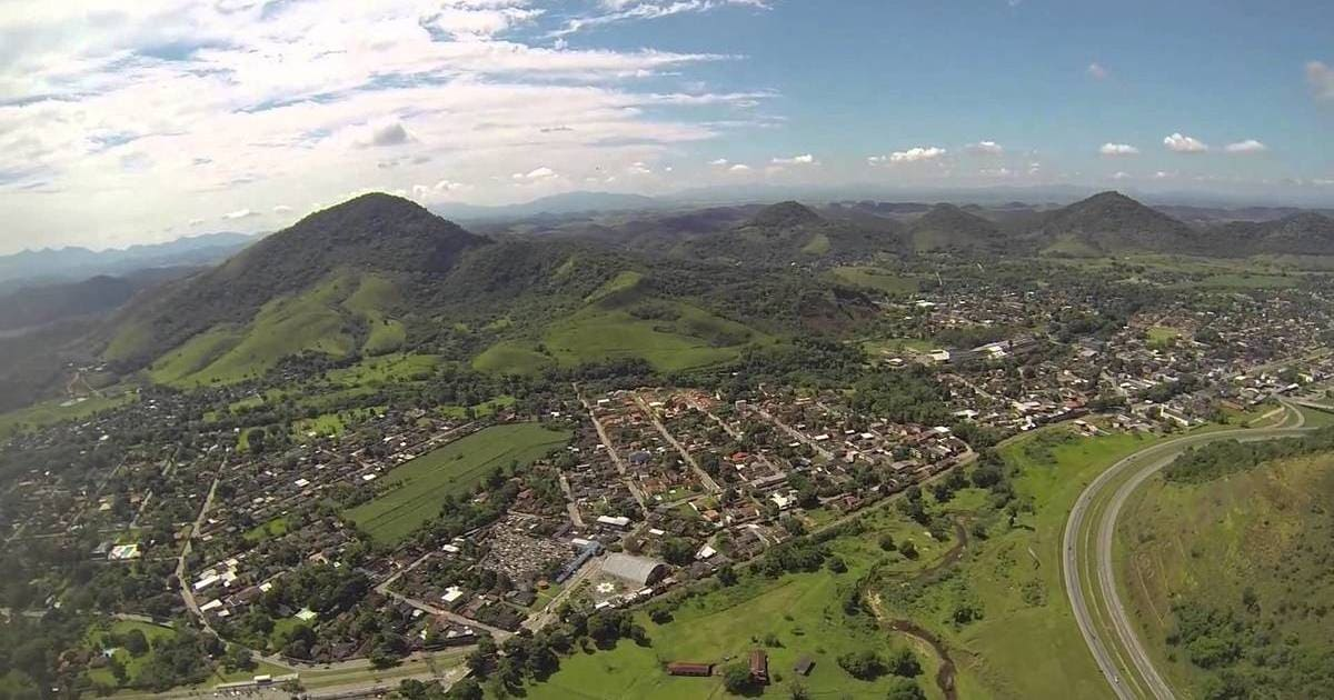 Foto aérea da cidade, representando a contabilidade em guapimirim