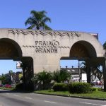 Foto ilustrativa da entrada da cidade para as pessoas que estão querendo contratar serviços de escritório de contabilidade em Praia Grande