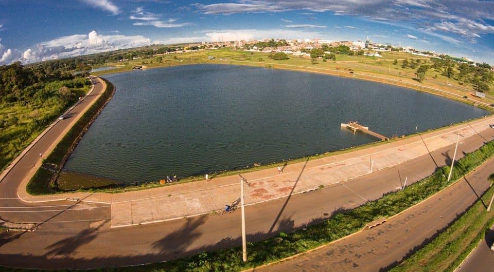 Imagem de um lago símbolo da cidade para quem deseja escolher um escritório de contabilidade em Cidade Ocidental de Goiás
