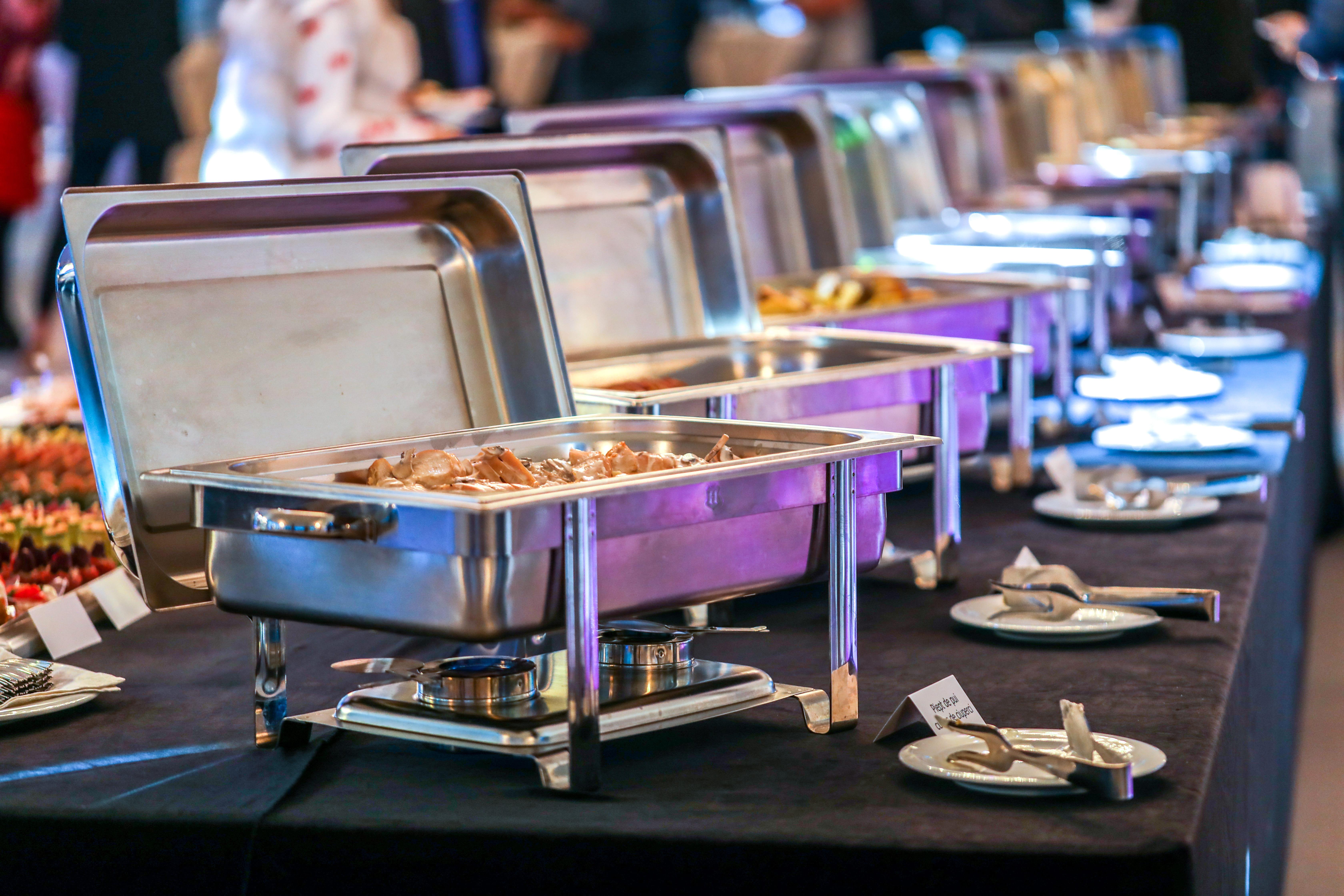 Imagem das diversas opções de cardápio que o empreendedor pode apostar quando abrir um buffet