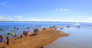 Foto da praia da cidade que é simbolo turístico para quem deseja escolher um escritório de contabilidade em Sales