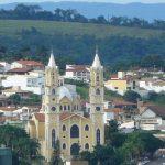 foto de igreja da cidade, representando a contabilidade em passos