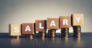 A imagem com a palavra salário remete o atraso que algumas empresas cometem no pagamento do salário dos colaboradores