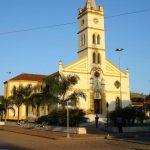 foto de igreja da cidade, representando como abrir empresa em alpinópolis