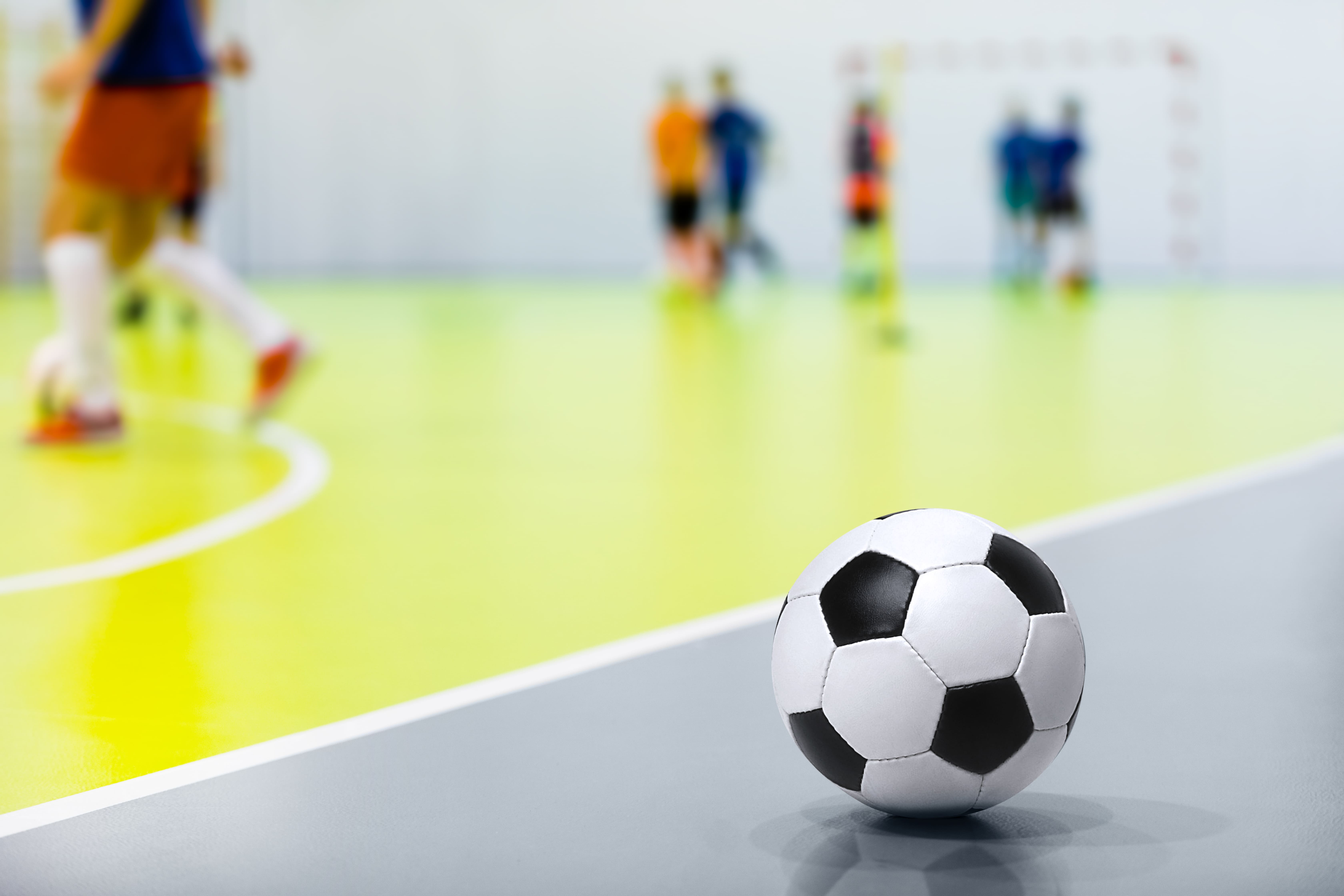 Imagem de uma quadra de futebol para remeter ao empreendedor que deseja abrir uma escola de futebol