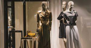 Imagem de uma vitrine trabalhada para remeter ao empresário que vai montar um serviço de vitrinismo