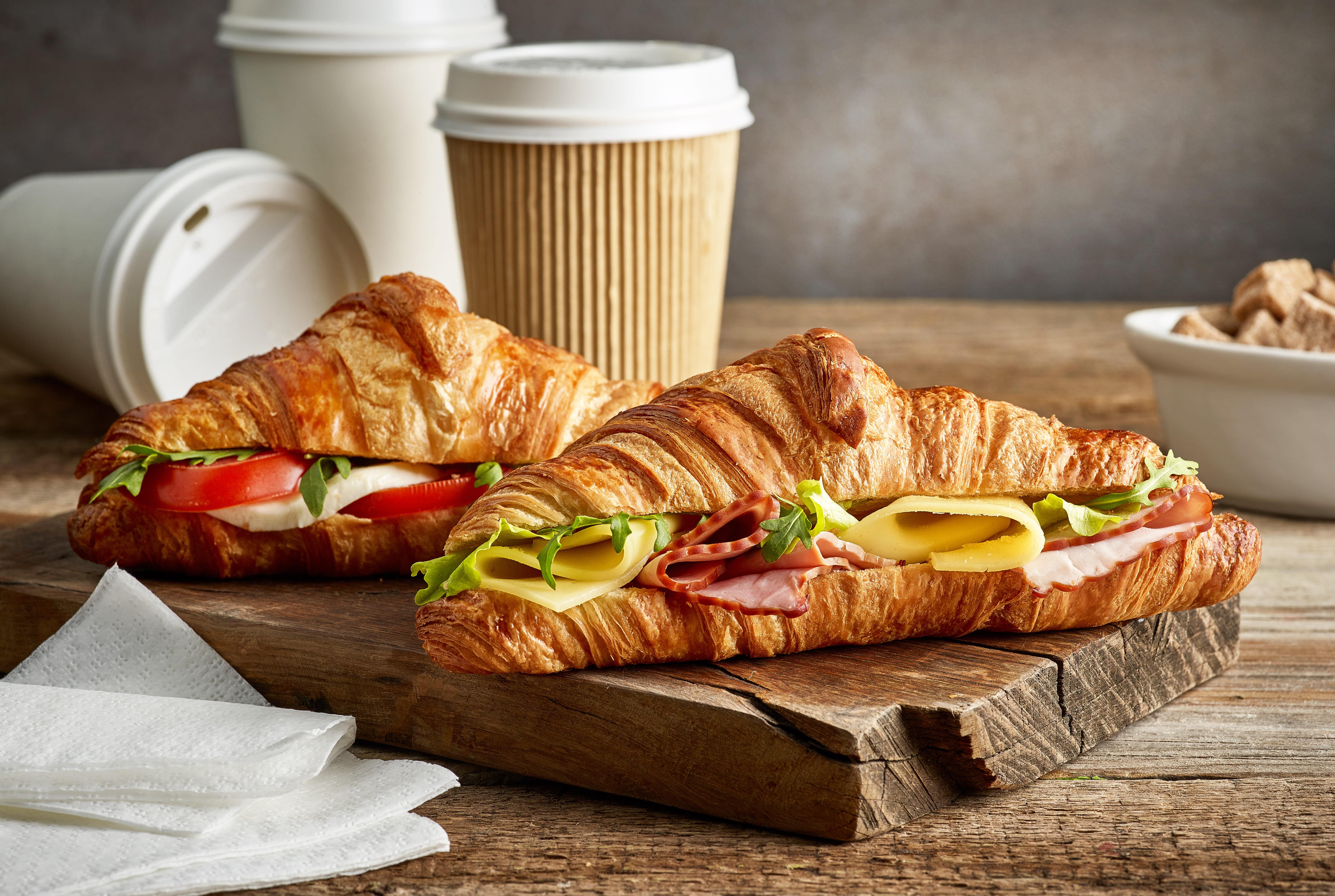 Imagem de dois croissant para remeter ao empreendedor que deseja abrir uma croissanteria