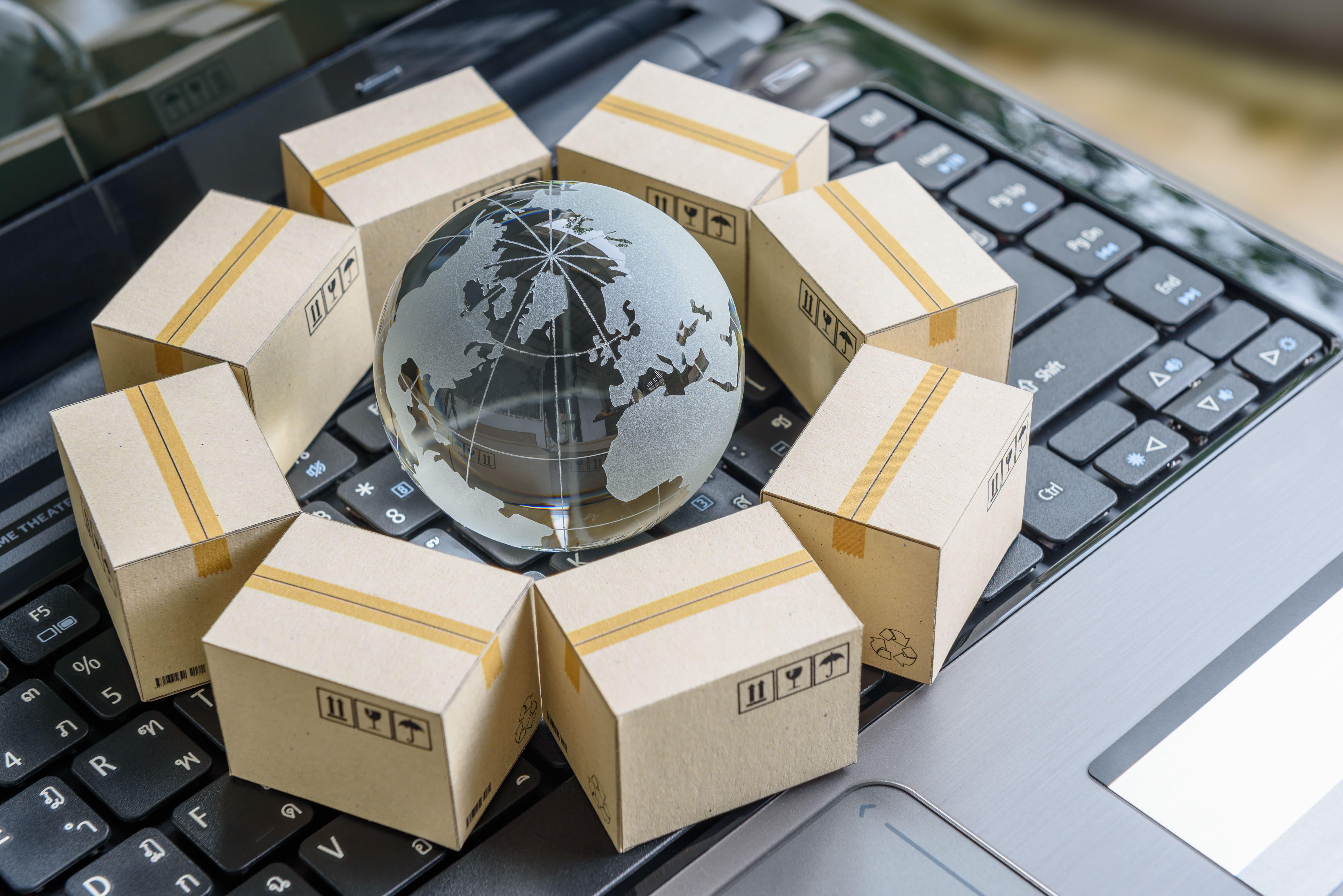 Imagem de um globo simulando um marketplace e as outras lojas em volta para remeter ao texto que fala sobre o que é marketplace