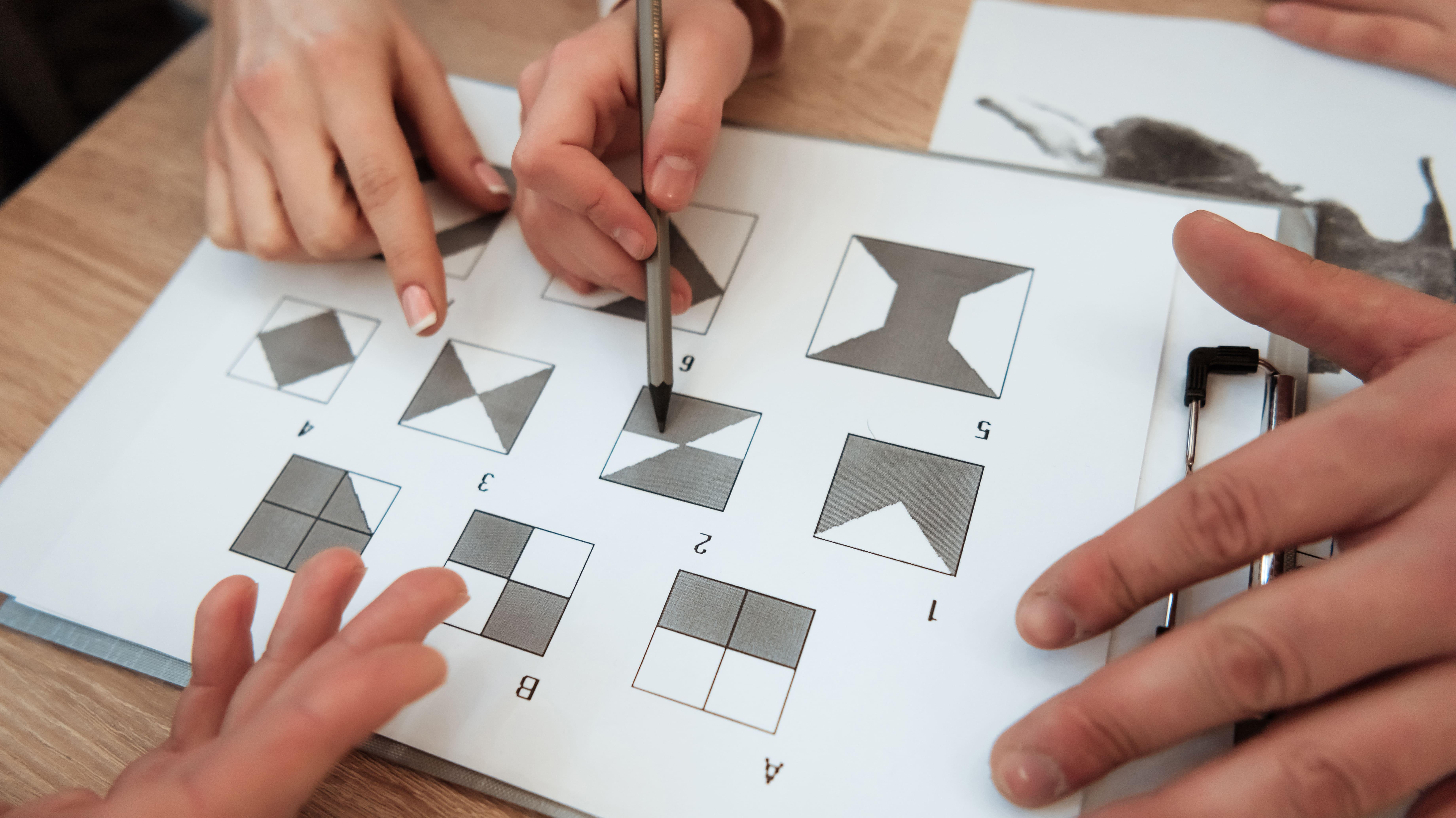 Imagem de um jogo pedagógico para remeter ao empreendedor que deseja abrir uma clínica de psicopedagogia