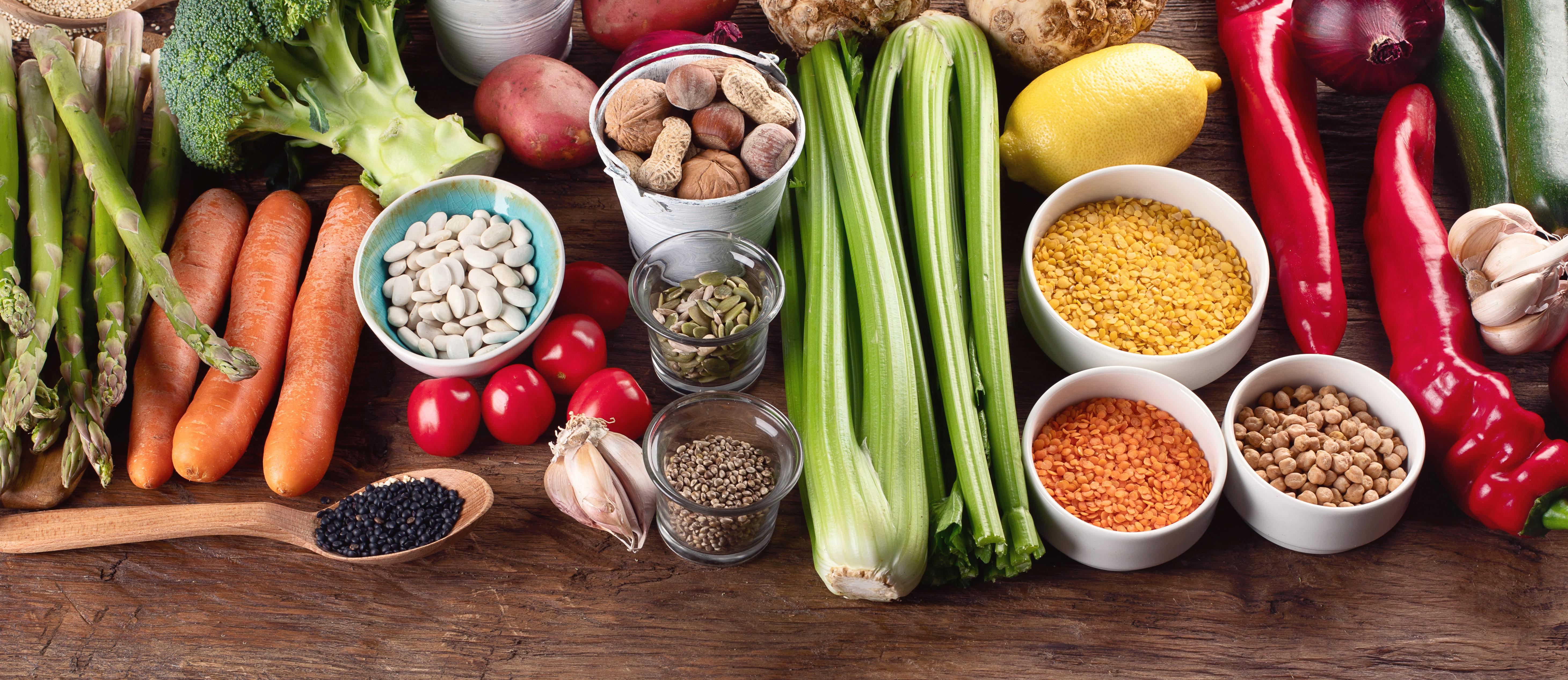 Imagem de alguns alimentos saudáveis para remeter ao texto que mostra como abrir uma loja de alimentos funcionais