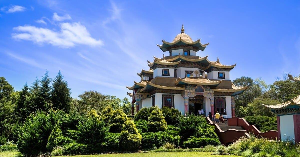 foto de templo na cidade, representando como abrir empresa em três coroas