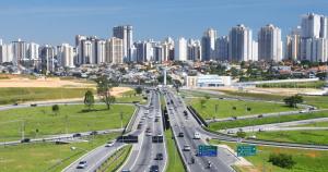 Foto de avenida da cidade de São José dos Campos, representando como abrir empresa no jardim apolo