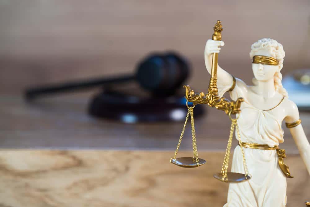 foto de estátua da advocacia